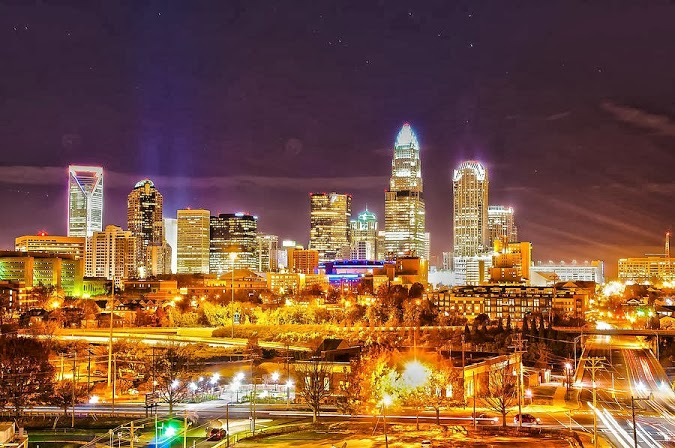 2010_skyline_at_night_of_charlotte_north_carolina